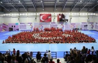"""Gaziemir'de spor kursları """"Andımız""""..."""