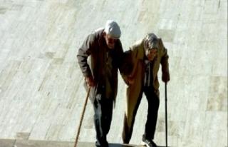 Yaşlı çiftin Anıtkabir ziyareti örnek oldu