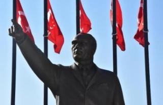 Atatürk'e benzemeyen heykel yeniden yapıldı