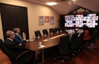 Cumhurbaşkanı ilçe başkanlarıyla telekonferans...