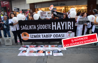 İzmir'de, hekimlerden eylem
