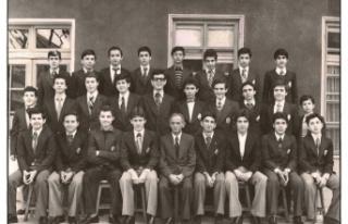 İZTO yöneticileri okul yıllarında öğretmenleriyle