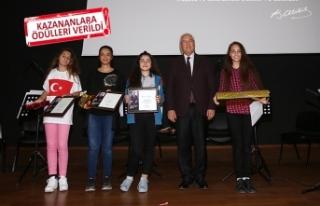 Karabağlar'da öğrenciler Ata'ya sevgilerini...