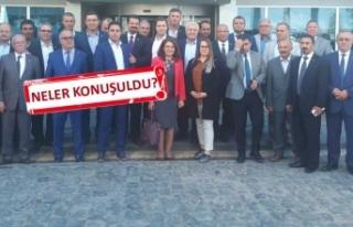 Tuncay Özkan, İzmirli ilçe başkanlarıyla buluştu