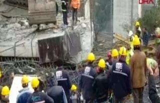 Viyadük'te beton blok düştü! İşçiler altında...