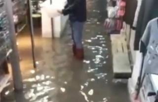 İzmir'de yağmur yağışı etkili oldu