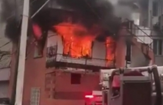 Tül perde tutuşunca ev yandı