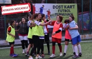 Bornova'da 'dost' futbol turnuvası