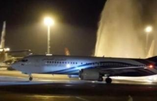 Havada panik: Uçağın camı çatlayınca..