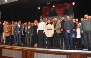 İzmir'de CHP'li gençler 'Yönetmeye...