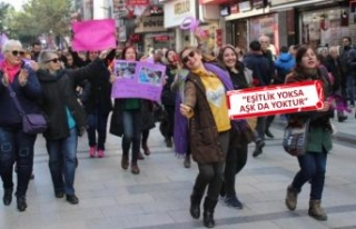 İzmir Kadın Savunma Ağı'ndan '14 Şubat'...