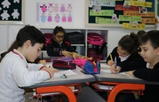 Minik öğrencilerden Mehmetçik'e 'Sevgililer...