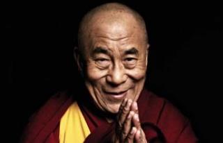 Dalai Lama hastaneye kaldırıldı!
