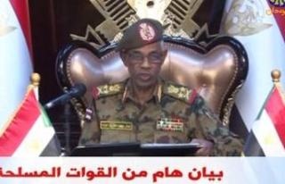 Sudan'da ordu yönetime el koydu