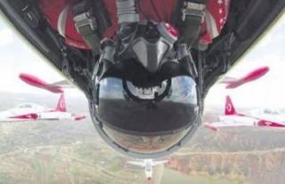 Dünyada bir ilk! Türk pilot tarihe geçti