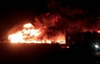 Geri dönüşüm fabrikası alev alev yandı!