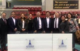 İzmir'i TBB'de temsil edecek isimler seçildi