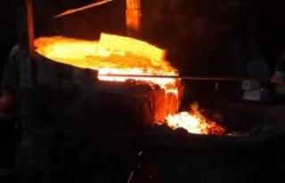 Korkunç kaza: Erimiş demir işçilerin üzerine...