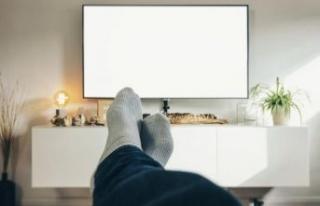 Televizyon karşısında oturmak, oturarak çalışmaktan...