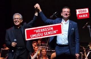 Zülfü Livaneli, Ekrem İmamoğlu'nu sahneye...