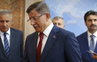 AK Parti'den Ahmet Davutoğlu çağrısı