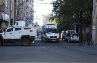 Diyarbakır'da hain saldırı: 4 şehit 13 yaralı!