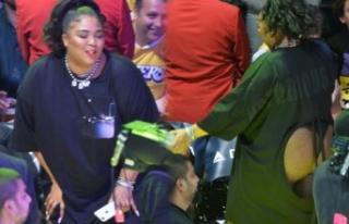 Lizzo, Los Angeles Lakers maçında damga vurdu!