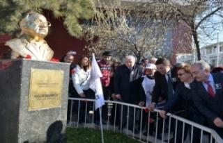 Çiğli, Mumcu'yu anıtı önünde andı