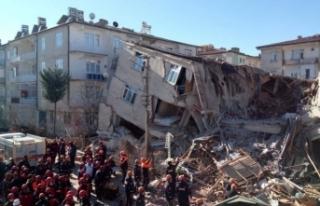 Depremde hasar gören bina kontrollü yıkılacak