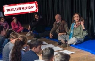 İsveçli Asa Lind'i İzmirli çocuklarla buluştu