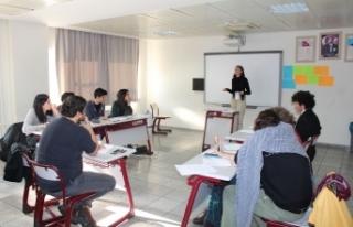 Türkiye'nin dört bir yanından lise öğrencileri...