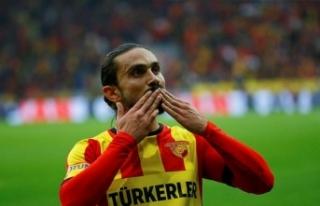 """Göztepeli futbolcu Halil Akbunar'dan """"evde..."""