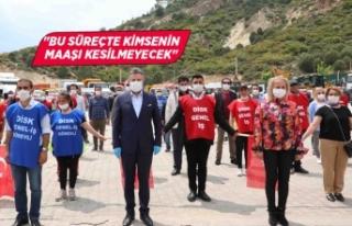 Bayraklı'da sosyal mesafeli 1 Mayıs kutlaması