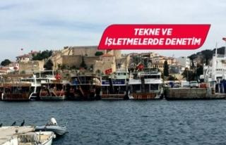 Çeşme'de gezi tekneleri Sahil Güvenlik ekiplerince...