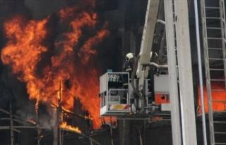 Hindistan'da Kovid-19 hastanesinde çıkan yangında...