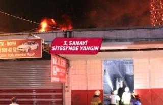 İzmir'de sanayide çıkan yangın hasara neden...