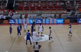 Pınar Karşıyaka: 81 - Büyükçekmece Basketbol:...