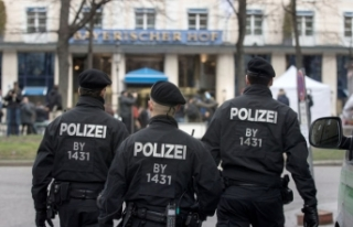 Almanya'da Türk iş adamına iş yerinde polis...