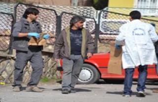Siirt'te okula el bombası atıldı