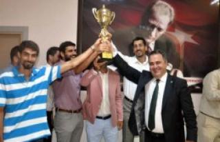 İzmir Barosu Basketbol Takımı Şampiyon