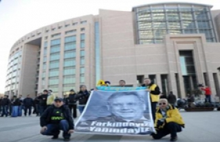 Fenerbahçe Taraftarı Ortalığı Birbirine Kattı