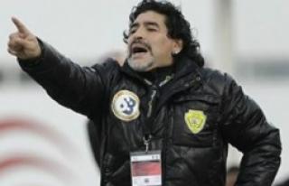 Maradona Çileden Çıktı