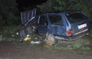 2 Otomobil Çarpıştı 14 Yaralı