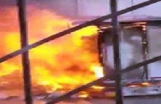 Kimyasal Madde Yüklü Tankerde Patlama: 2 Yaralı