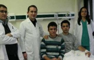 İki Kardeş Tıp Literatürüne Geçti