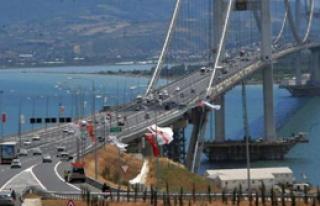 Osmangazi Köprüsü'nden Tatilciler Dönüyor