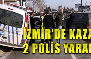 Polis Aracıyla Kamyonet Çarpıştı