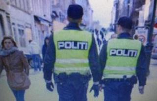 Norveç Polisi Yeniden Silah Bıraktı