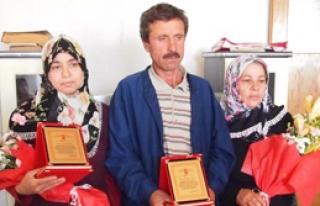 Yılın Ailesi Ödülü 'Yılmayan' Yılmaz Ailesi'ne