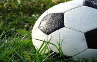 20 futbolcu boğuldu